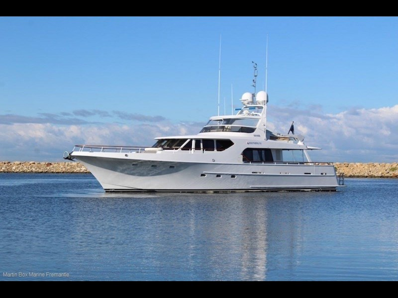 mcmullen and wing expedition motor yacht 635407 003