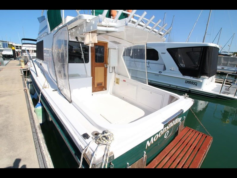 aquarius 35 flybridge cruiser 637122 005