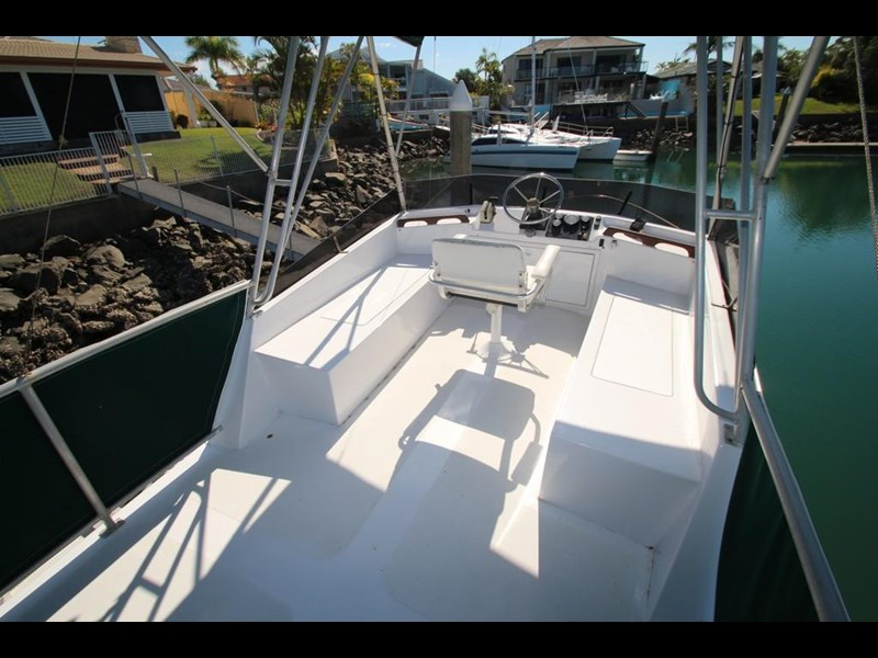 aquarius 35 flybridge cruiser 637122 051