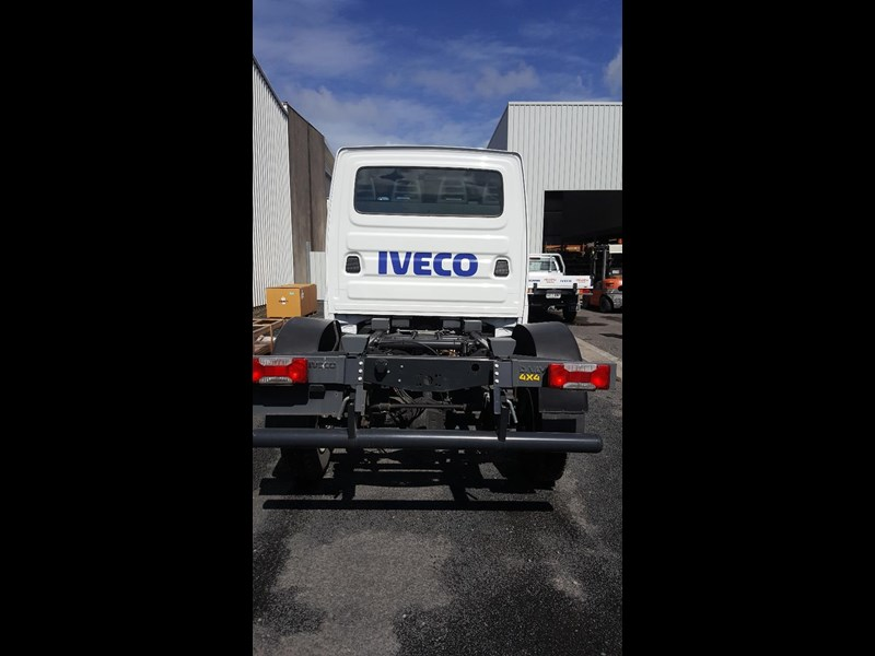 iveco daily 55s17w 638530 003