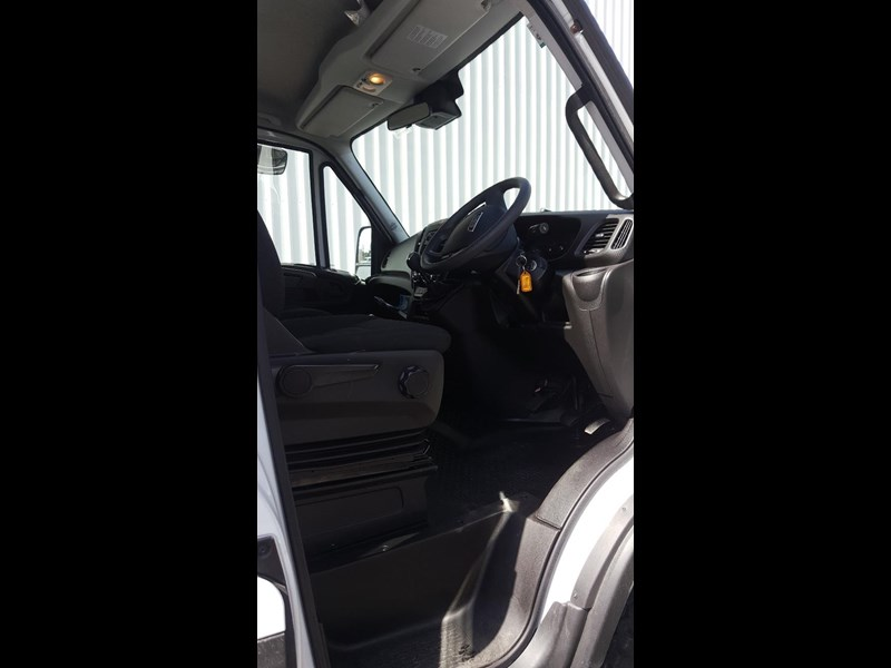 iveco daily 55s17w 638530 011