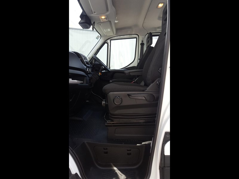 iveco daily 55s17w 638530 015