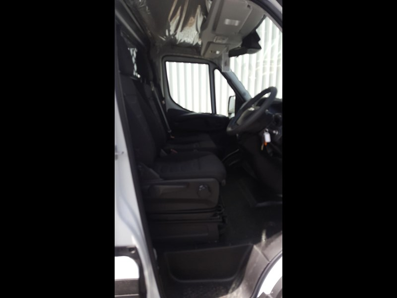 iveco daily 35s17a8 638454 021