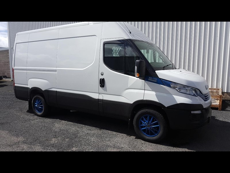 iveco daily 35s17a8 638454 001