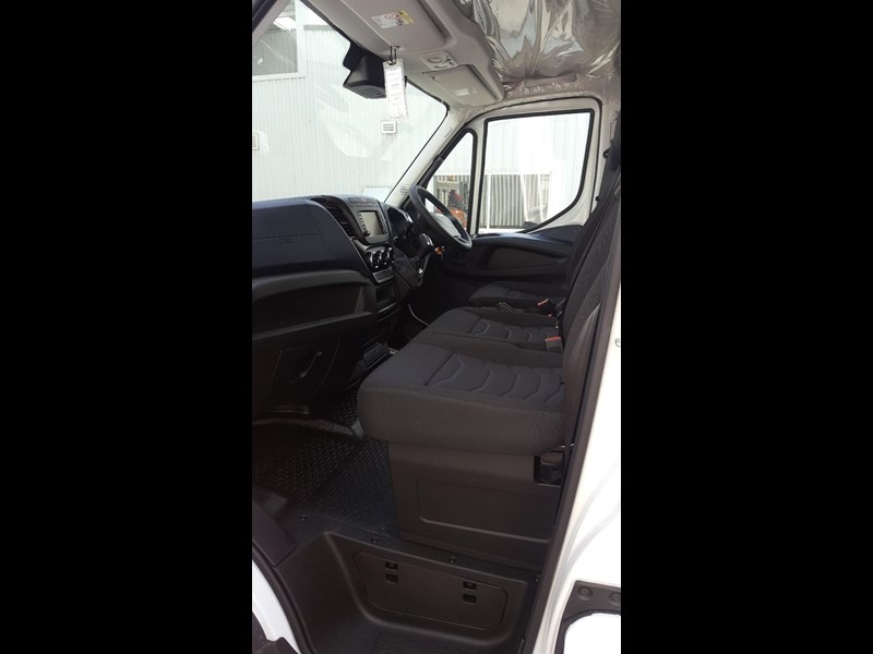 iveco daily 35s17a8 638454 025