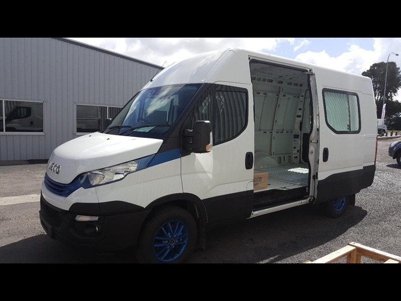 iveco daily 35s17a8 638454 007