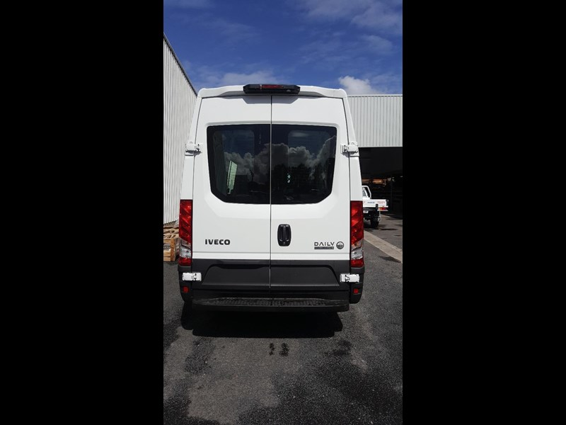 iveco daily 35s17a8 638454 011