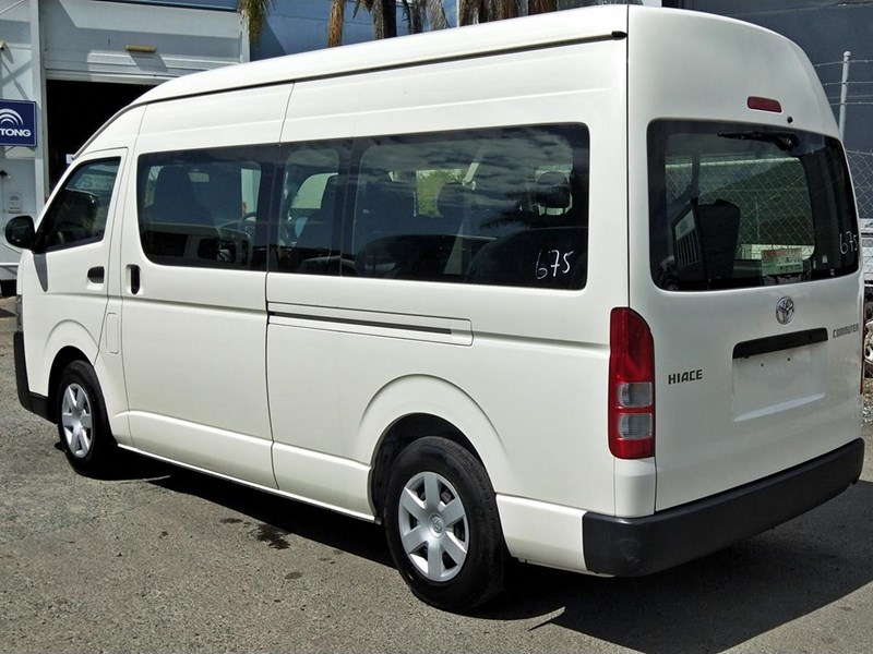 toyota hiace commuter bus 638907 005