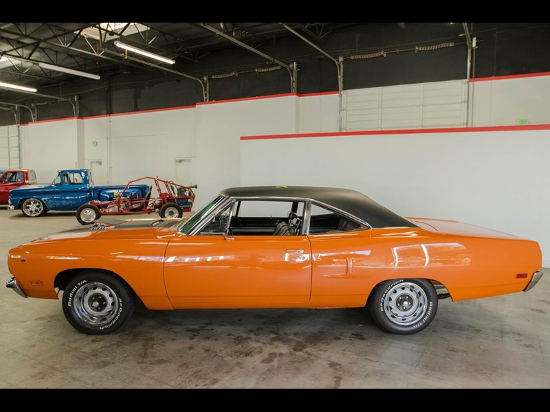 plymouth road runner 536401 003