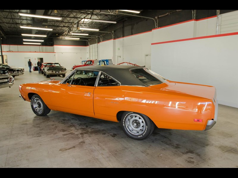 plymouth road runner 536401 005