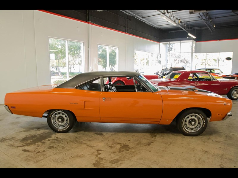 plymouth road runner 536401 013