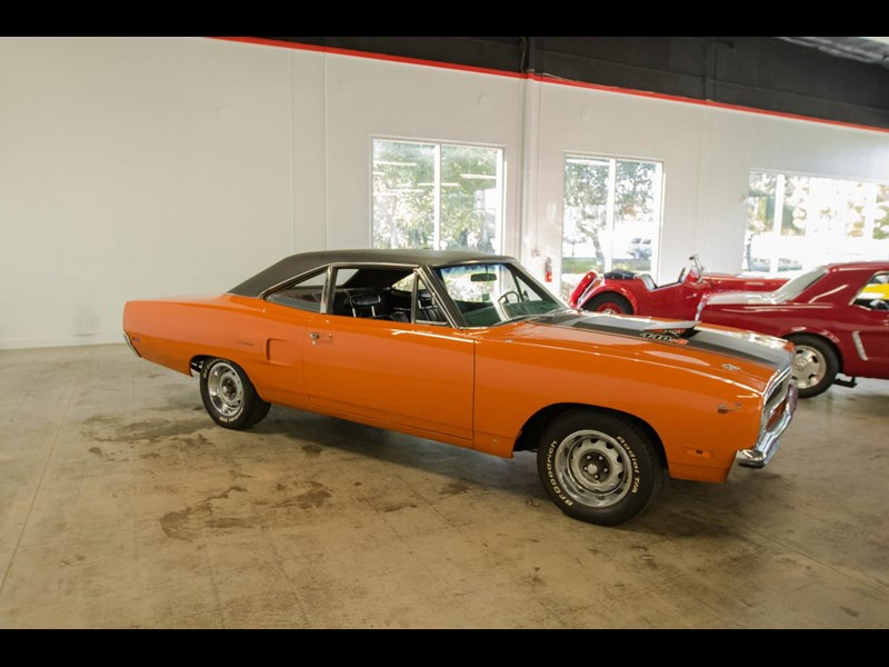 plymouth road runner 536401 015