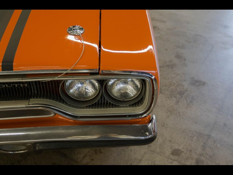 plymouth road runner 536401 025