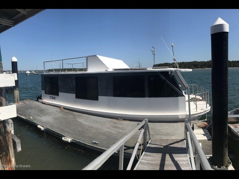 custom custom bridgedeck houseboat 45' 606601 001