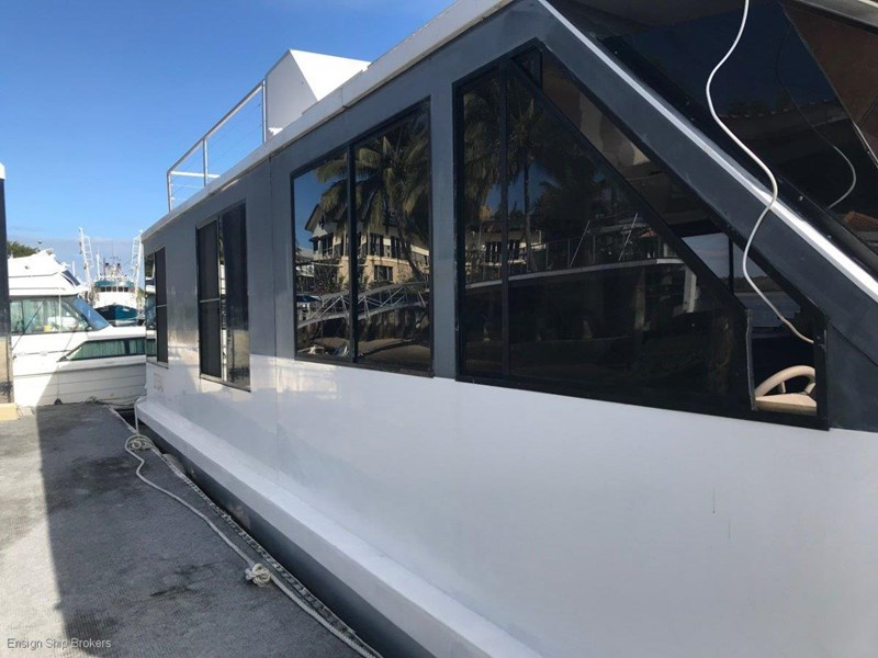custom custom bridgedeck houseboat 45' 606601 003