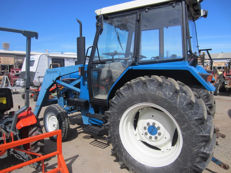ford 4630 tractor with front end loader 609724 009