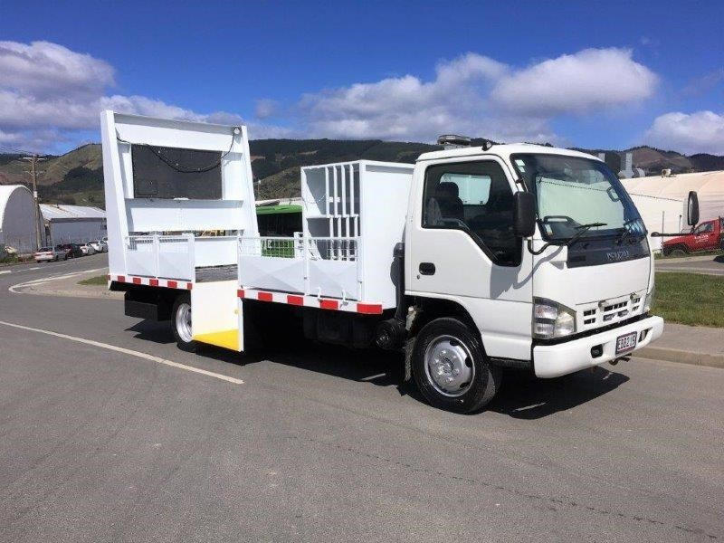 isuzu n series 640516 007
