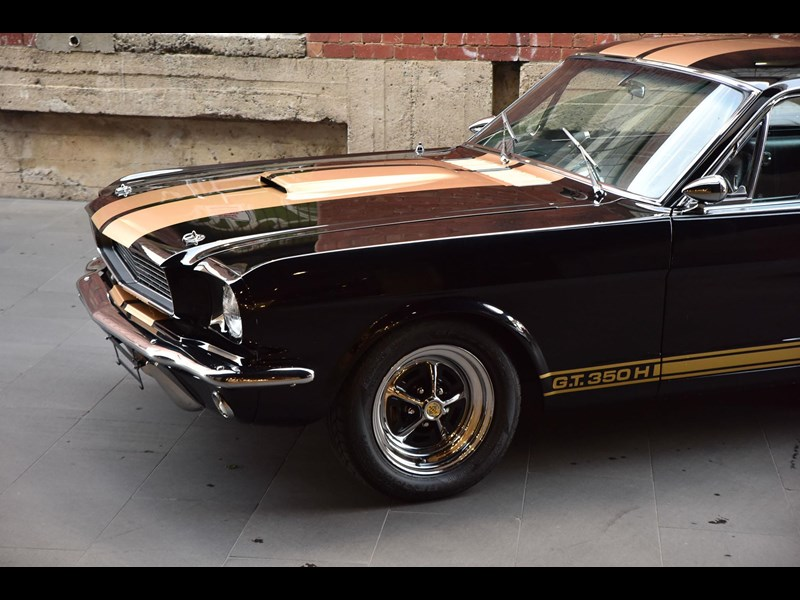ford shelby g.t. 350 fastback 641663 011
