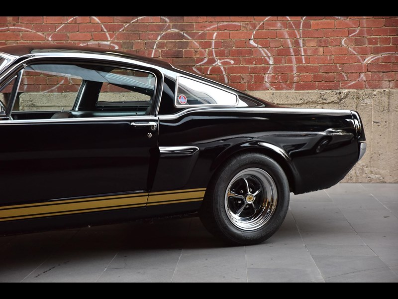ford shelby g.t. 350 fastback 641663 013