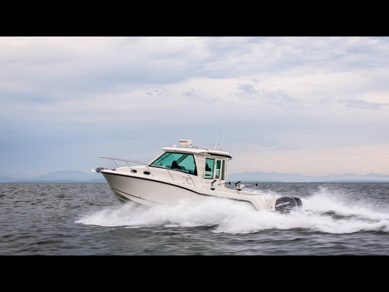 boston whaler 315 conquest pilothouse 294256 015
