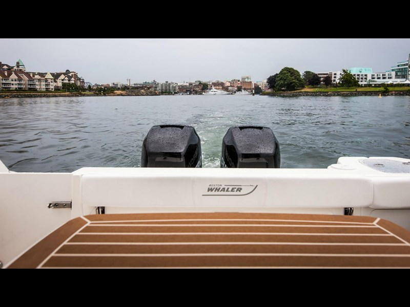 boston whaler 315 conquest pilothouse 294256 017