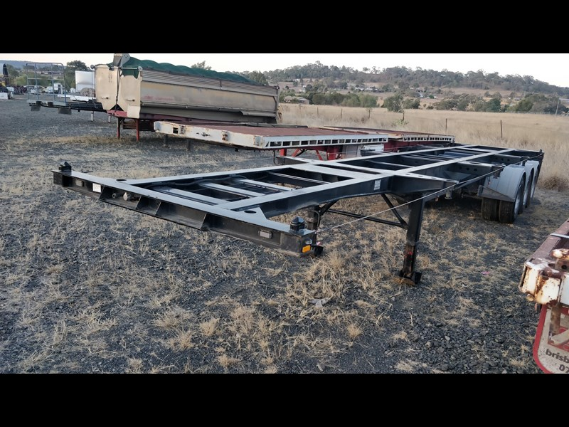 w.e.s.e 3 way container pin trailer 641984 001