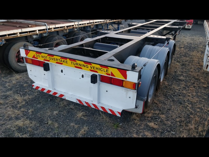 w.e.s.e 3 way container pin trailer 641984 007