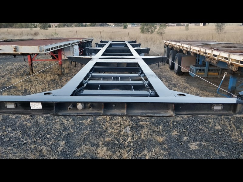 w.e.s.e 3 way container pin trailer 641984 017