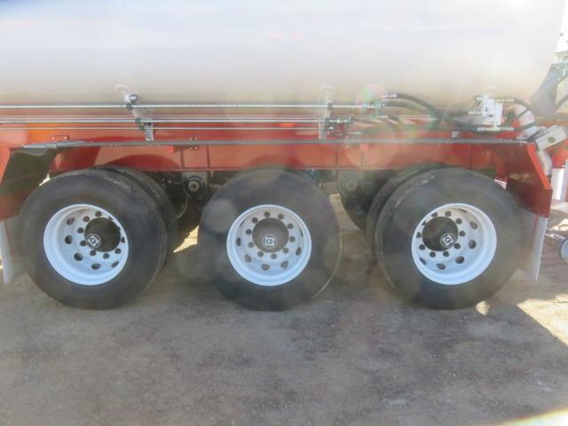 action tri axle tanker trailer 642211 013