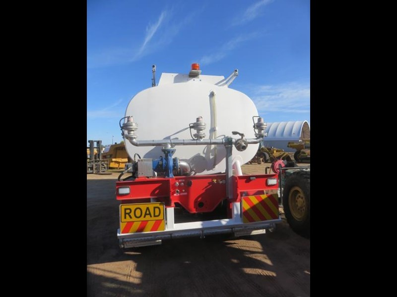 action tri axle tanker trailer 642211 015