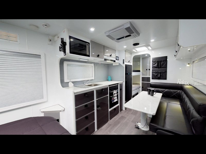 eden caravans sirocco family semi off-road 513729 013
