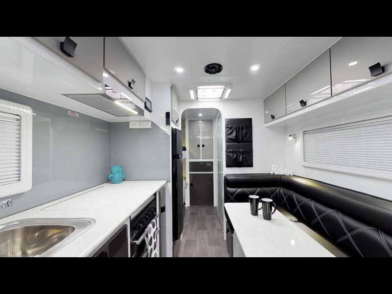 eden caravans sirocco family semi off-road 513729 021