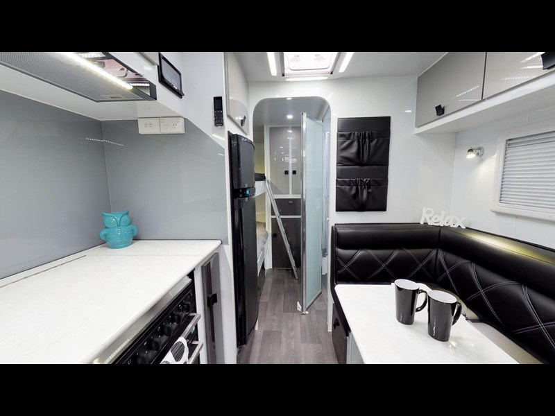 eden caravans sirocco family semi off-road 513748 045