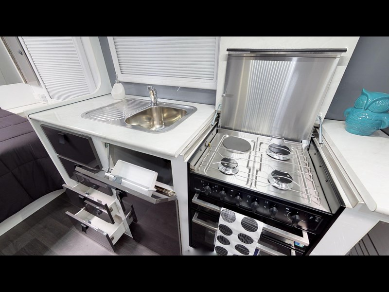 eden caravans sirocco family semi off-road 513748 071