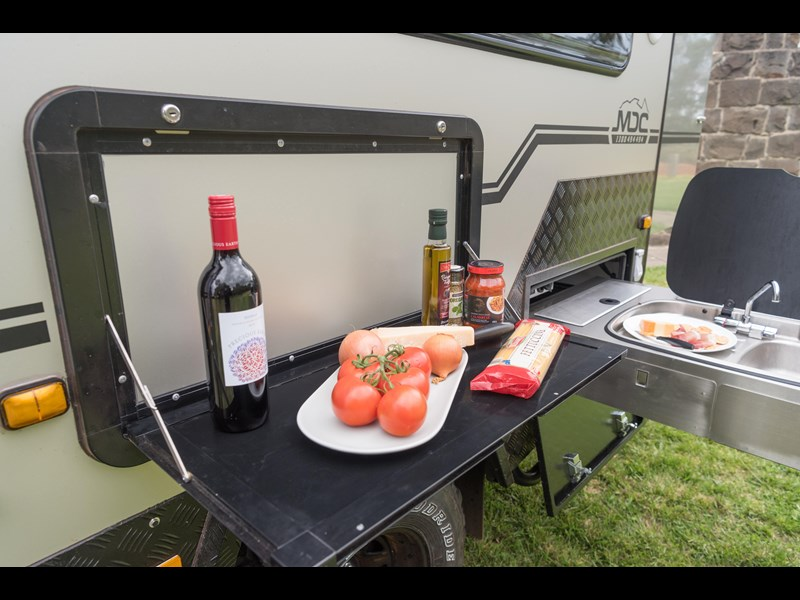 market direct campers xt12-db 353913 007