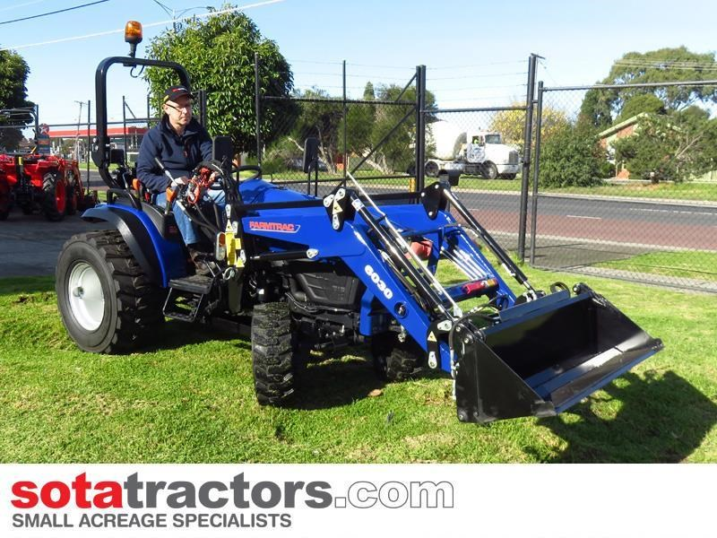 farmtrac 28hp tractor + 4 in 1 loader + backhoe 646140 003