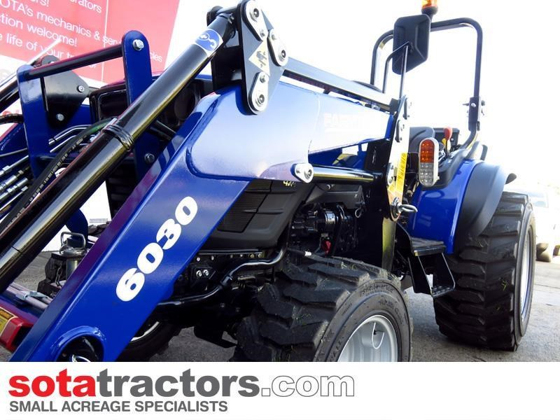 farmtrac 28hp tractor + 4 in 1 loader + backhoe 646140 037