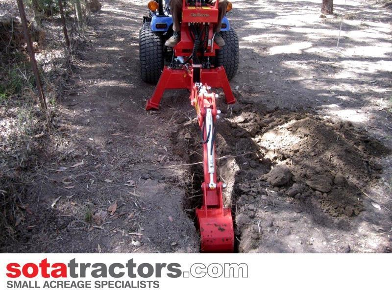 farmtrac 28hp tractor + 4 in 1 loader + backhoe 646140 049