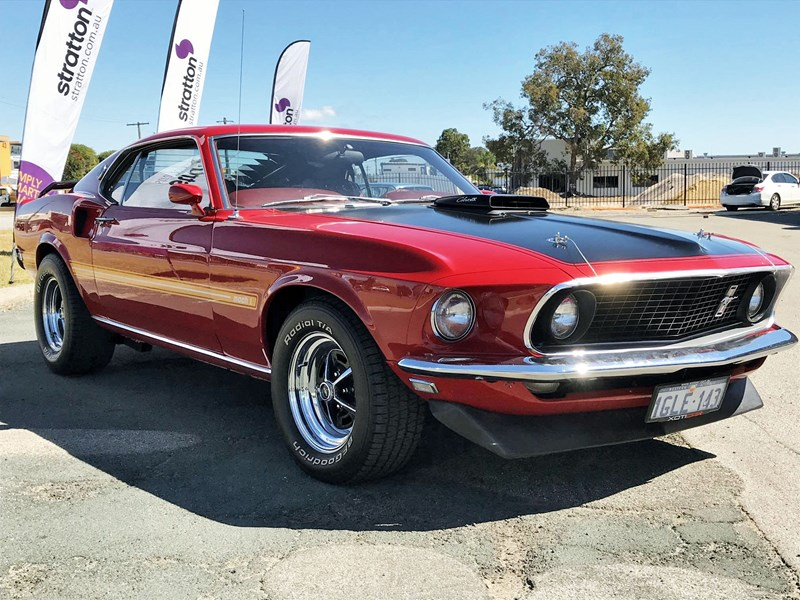 ford mustang 648516 001