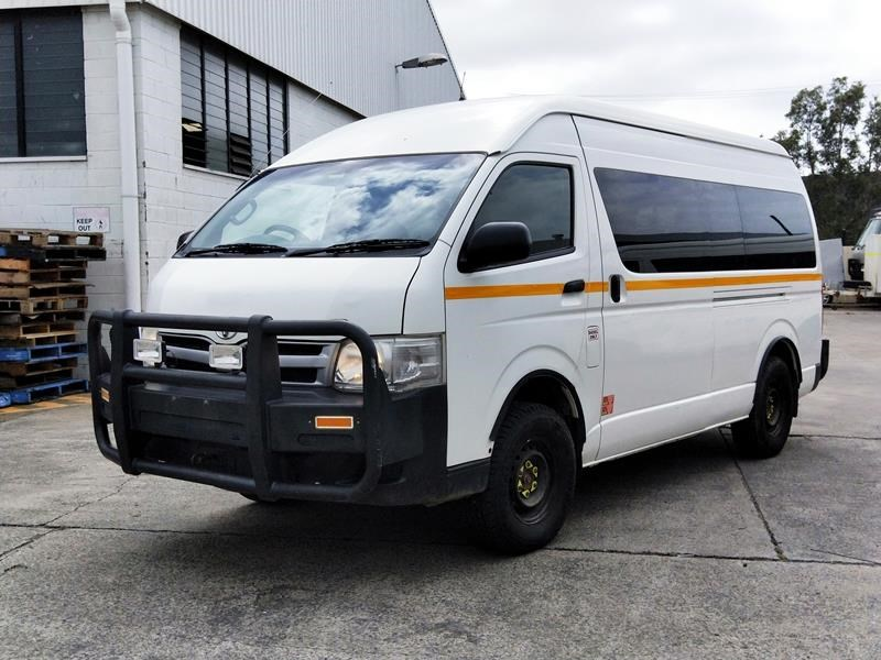 toyota 4x4 conversion of commuter bus 648878 001