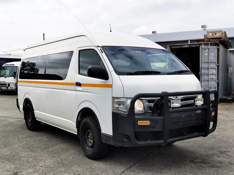 toyota 4x4 conversion of commuter bus 648878 005