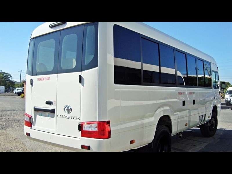 toyota 4x4 conversion of coaster bus (mine spec) 650919 007