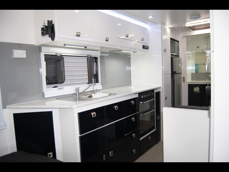 design rv forerunner 21' 6.1 495519 019