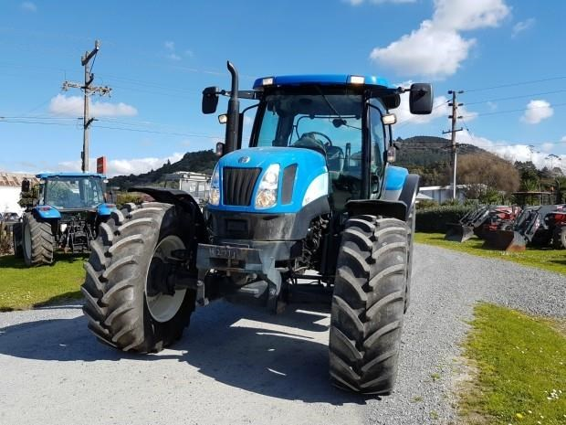 new holland ts125a super steer 651393 007