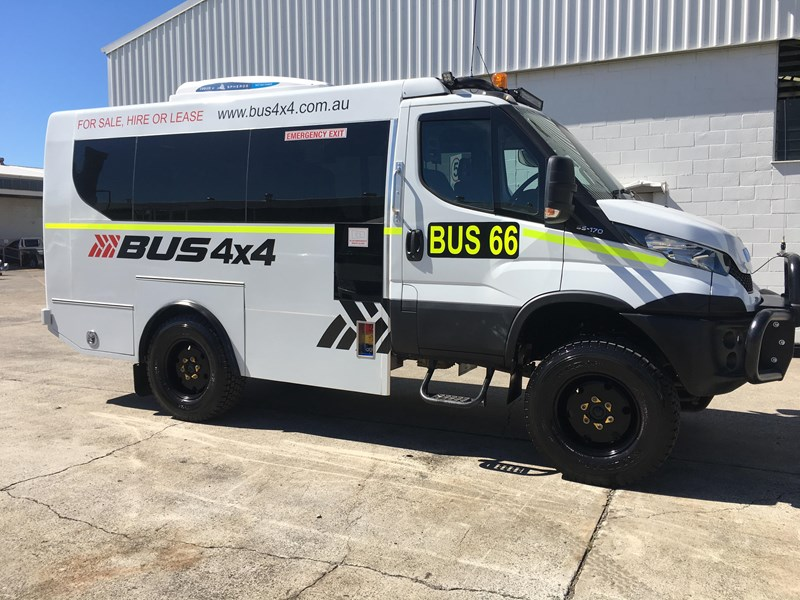 iveco daily 4x4 mine spec bus 651477 001