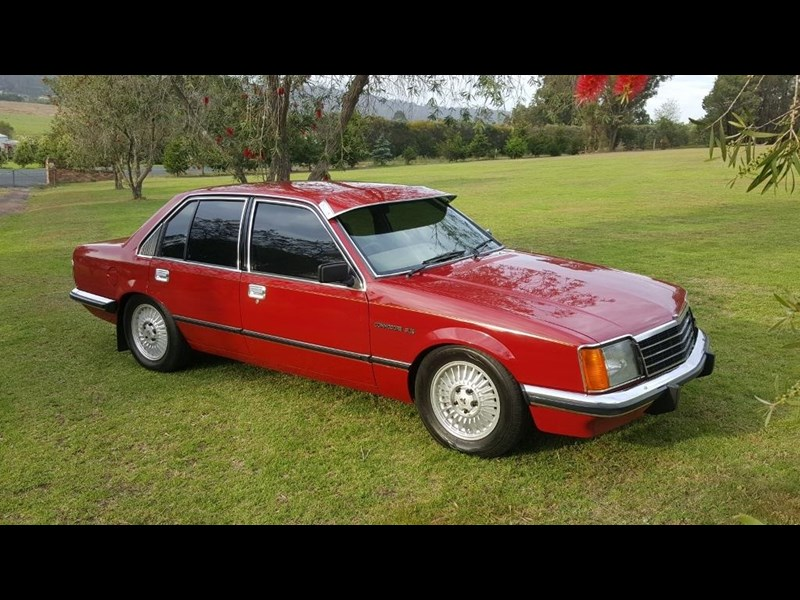 holden commodore 652694 007