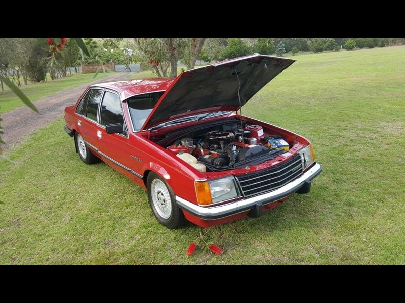 holden commodore 652694 015