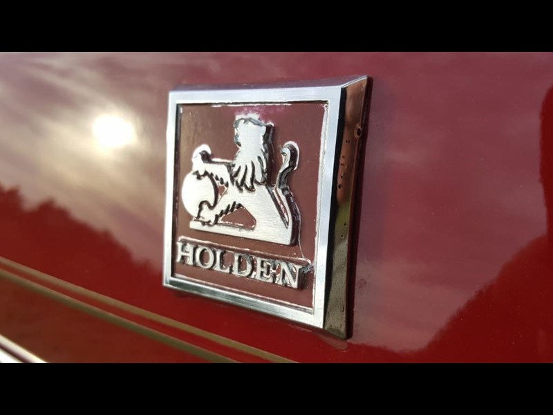 holden commodore 652694 027