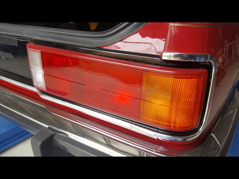 holden commodore 652694 053