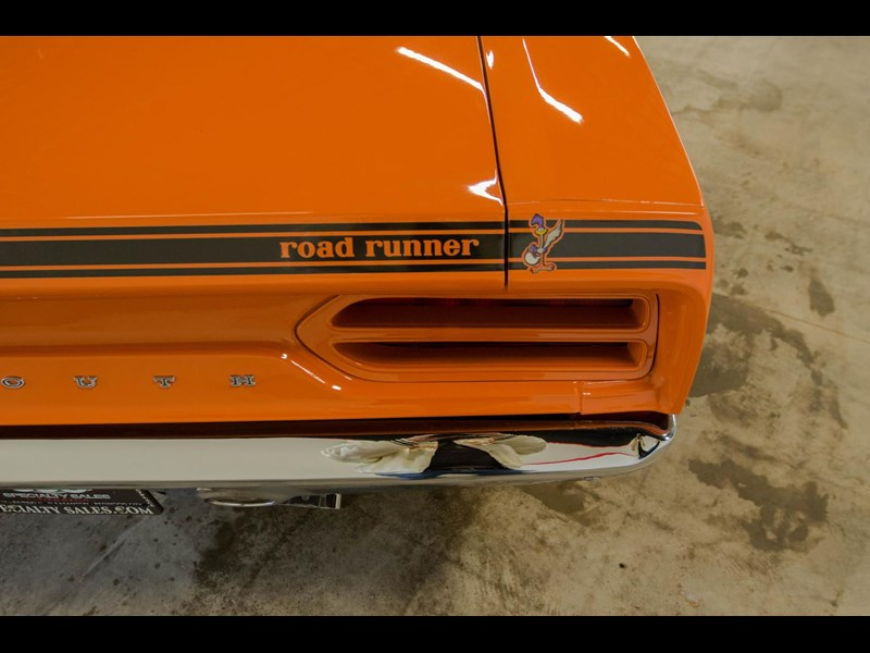 plymouth road runner 536401 053